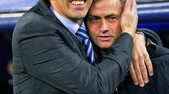 'Dinamo Zagreb\'s coach Krunoslav Jurcic (L) and his Real Madrid counterpart Jose Mourinho embrace before their Champions League Group D soccer match at Santiago Bernabeu stadium in Madrid November 22