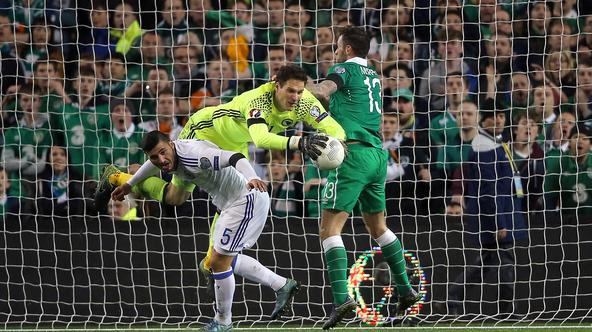 Republic of Ireland v Bosnia and Herzegovina - UEFA Euro 2016 Qualifying - Play-off - Second Leg - Aviva StadiumBosnia and Herzegovina goalkeeper Asmir Begovic saves an attempt on goal by Republic of Ireland's Daryl Murphy during the UEFA Euro 2016 Qualif