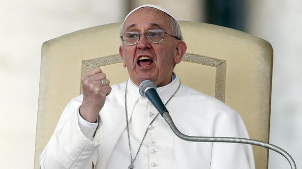 'Pope Francis gestures as he speaks during a weekly general audience in Saint Peter's Basilica, at the Vatican April 3, 2013.    REUTERS/Stefano Rellandini (VATICAN - Tags: RELIGION)'