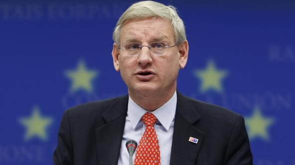 \'Swedish Foreign Minister Carl Bildt briefs media after an accession conference with Turkey at the European Union Council headquarters in Brussels, December 21, 2009.     REUTERS/Francois Lenoir   (B